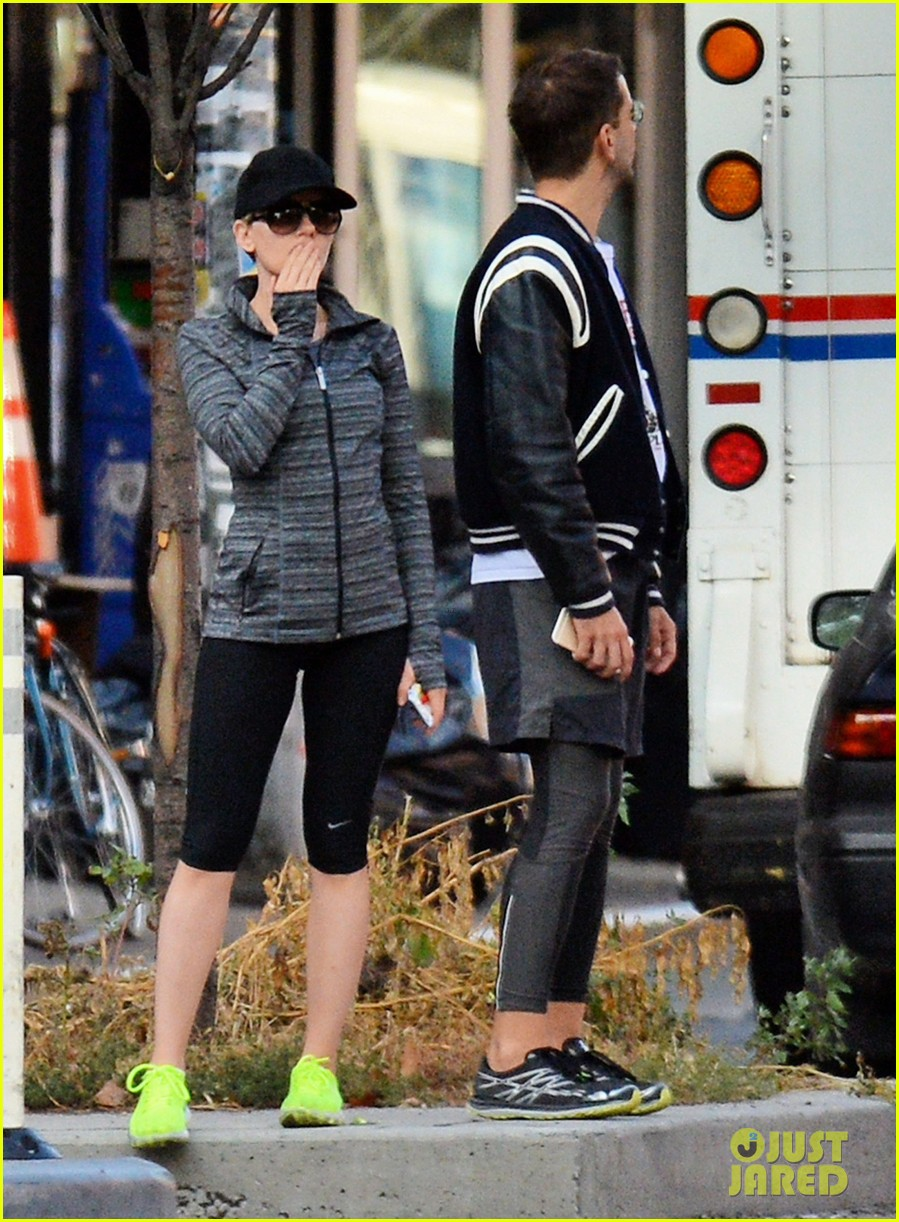 scarlett johansson works on her fitness with husband romain dauriac 033473745