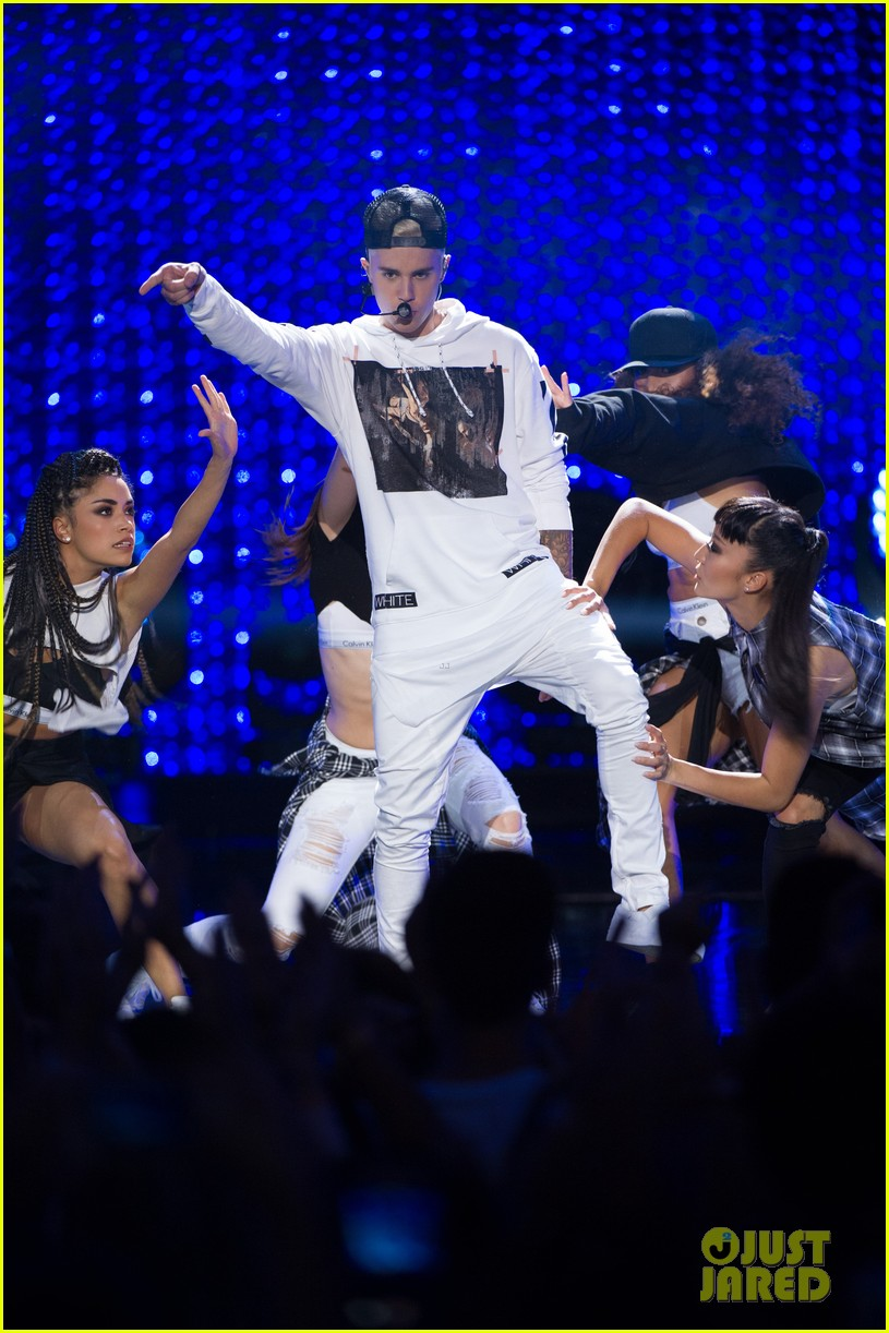 justin bieber think up performance watch here 023458434