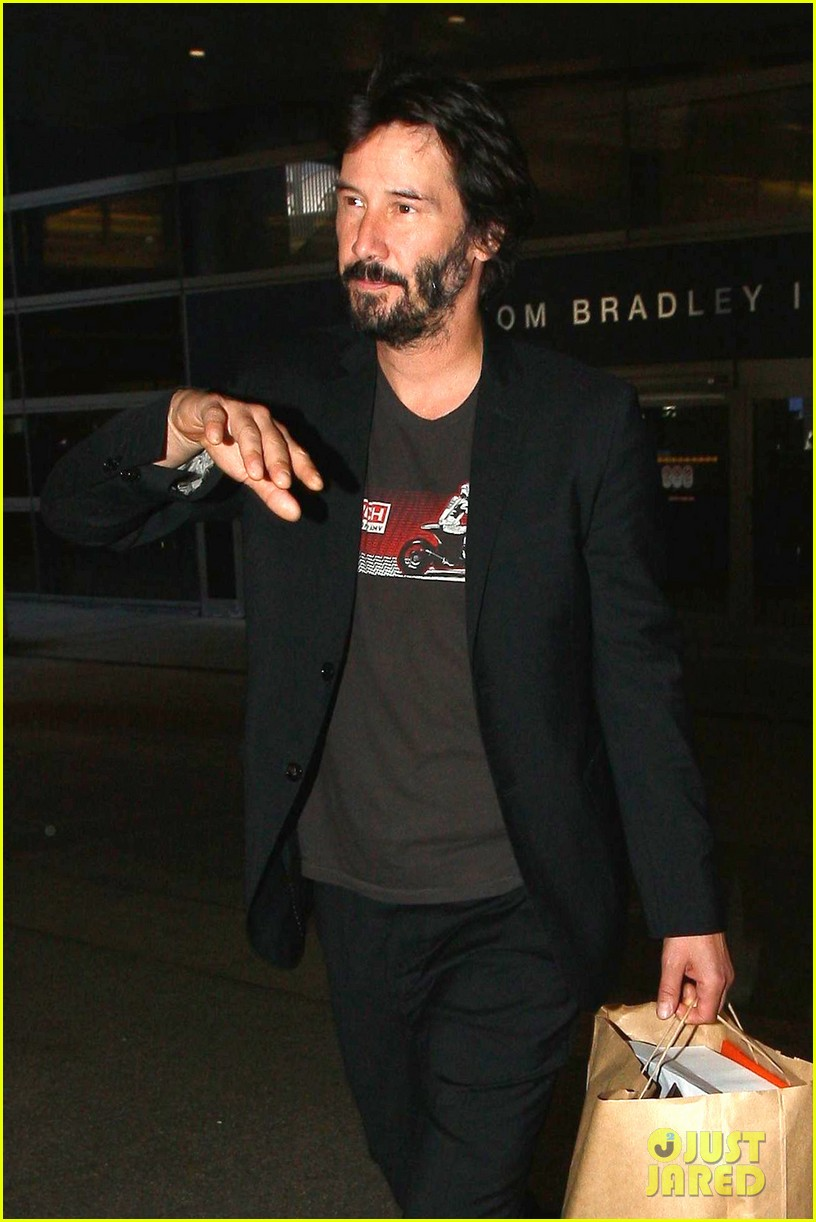 keanu reeves back in la after venice 023454228