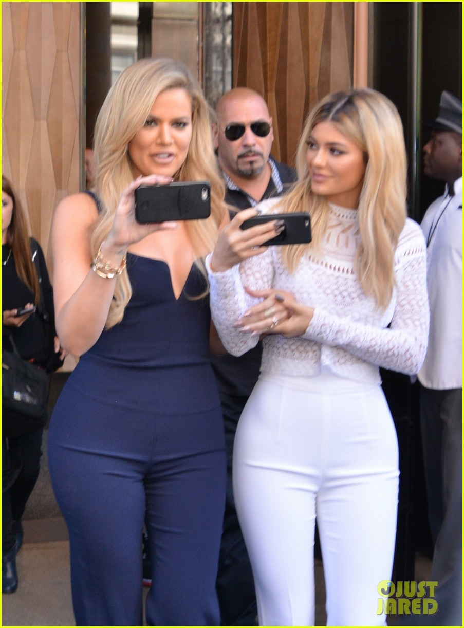 kardashian jenner sisters give first interview all together 033461028