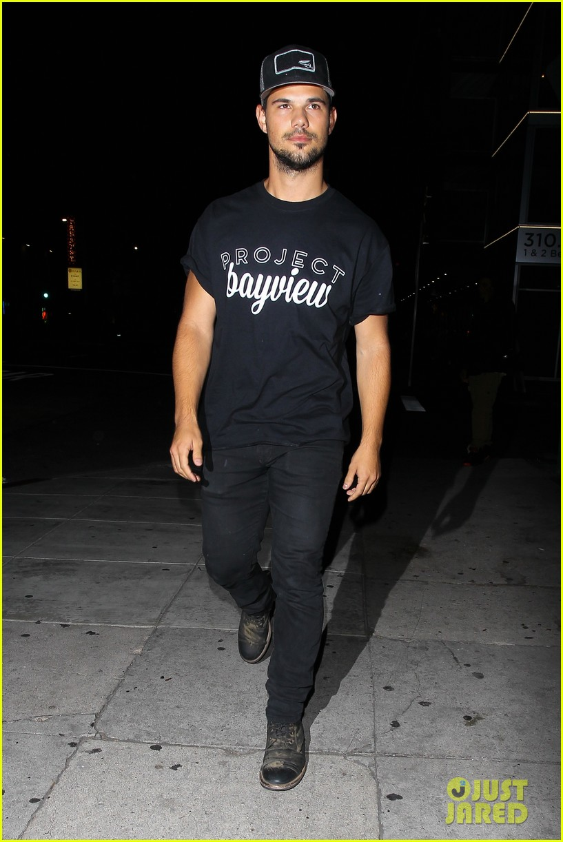 taylor lautner will appear at the think it up live telecast 013458493