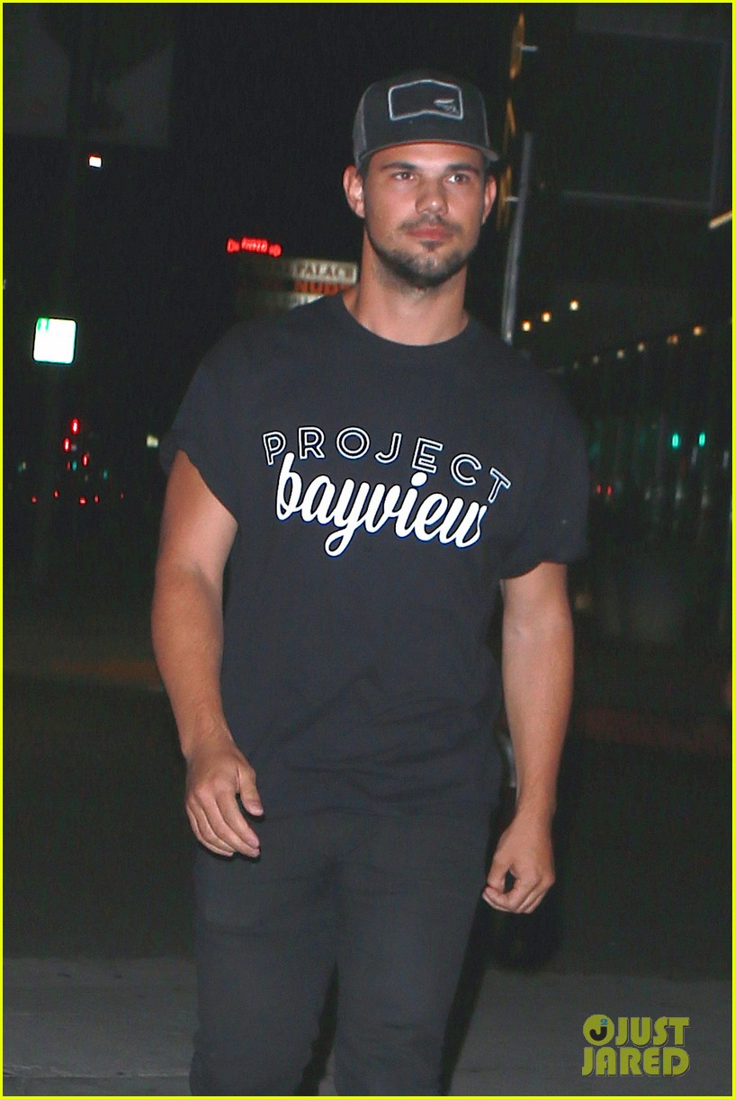 taylor lautner will appear at the think it up live telecast 153458507