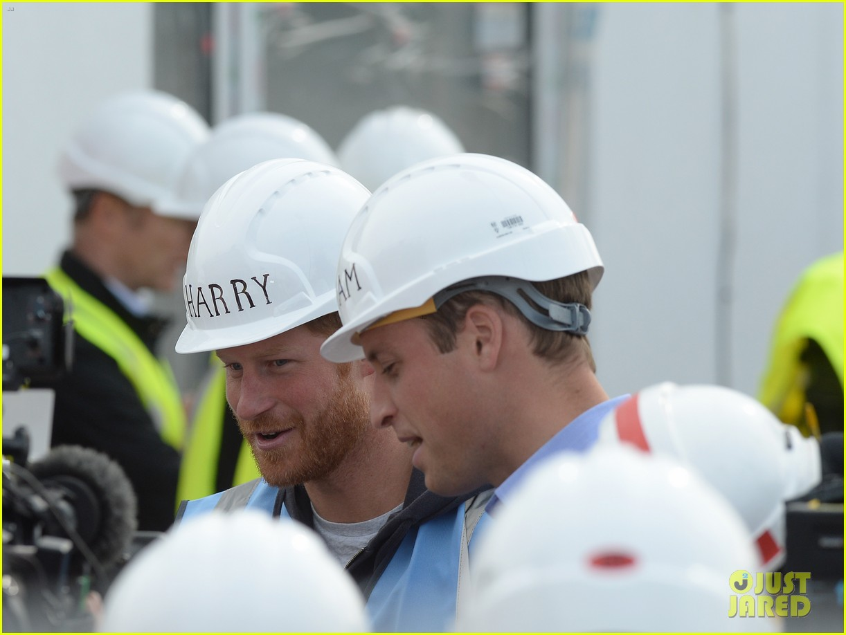 prince william harry hard hats diy sos 133469474