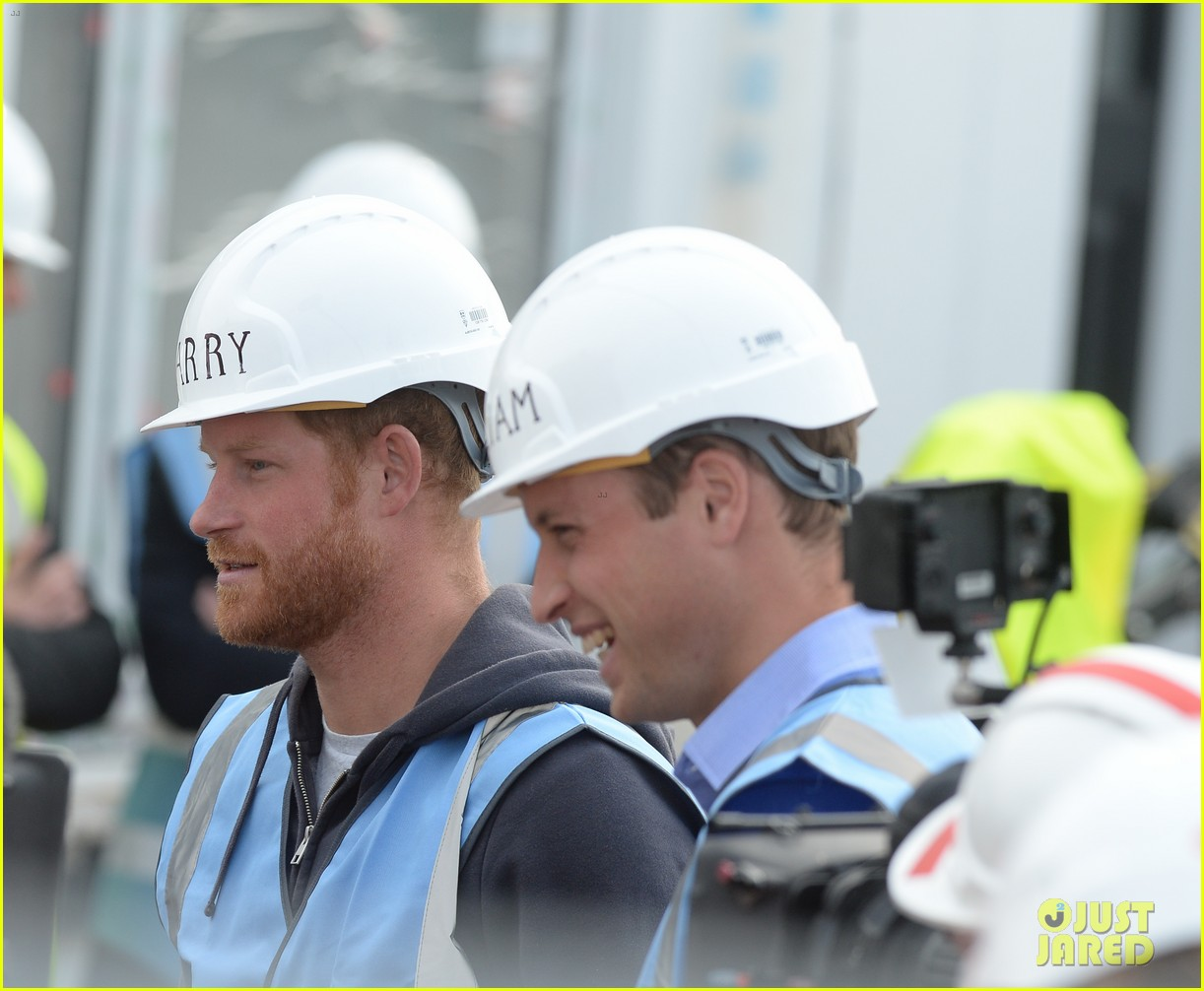 prince william harry hard hats diy sos 153469476