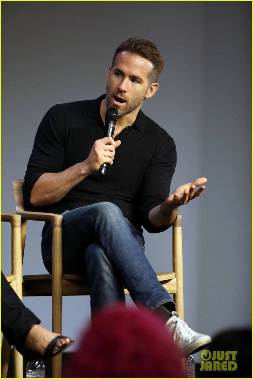 ryan reynolds apple store tonight show 353468265