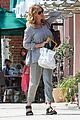 julia roberts malibu cook out mothers day 11