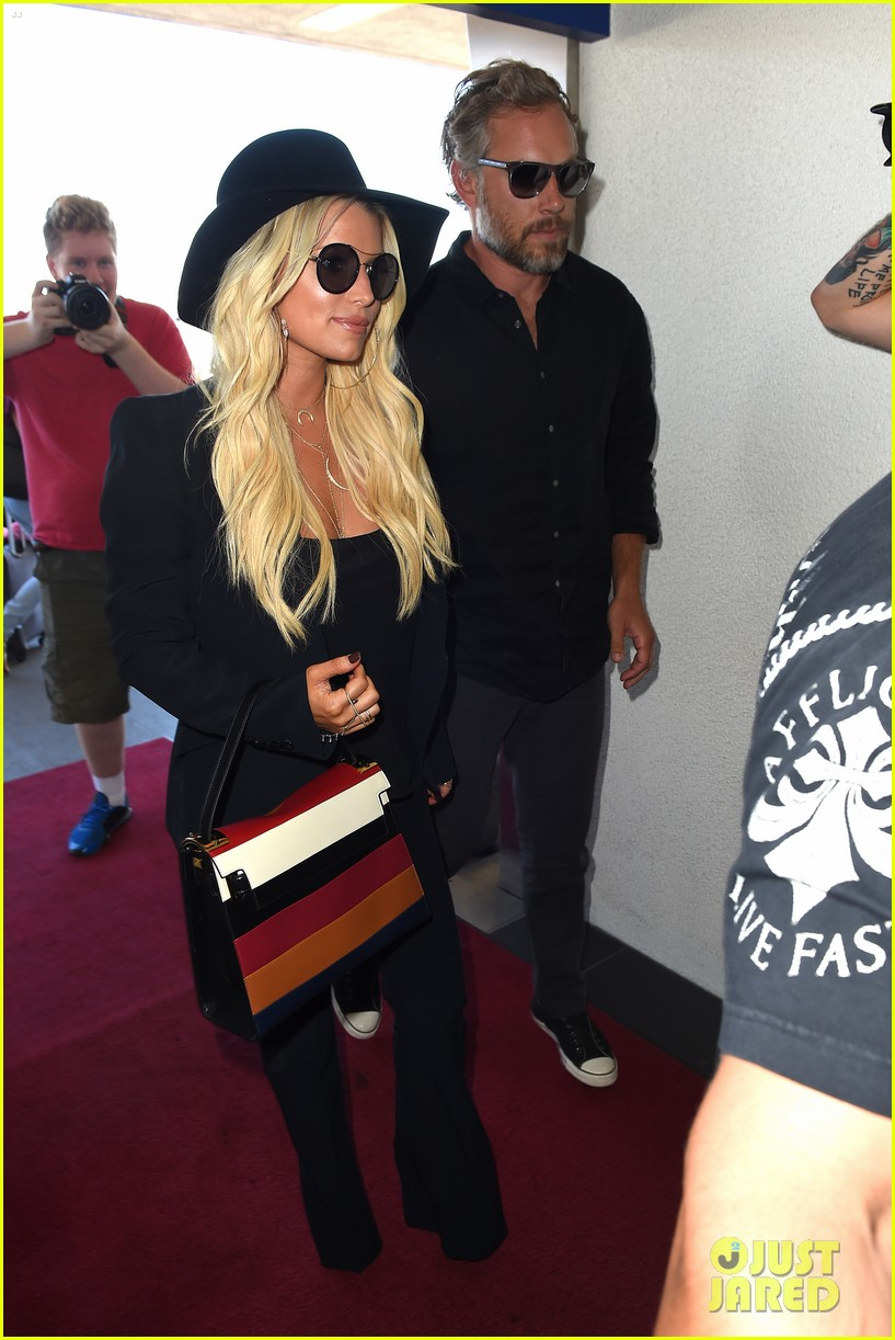 jessica simpson still has daisy dukes red boots 153454513