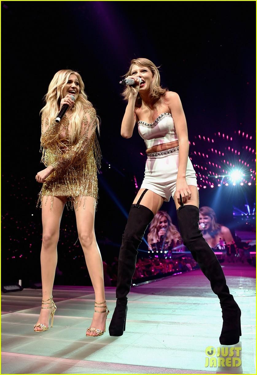 Full Sized Photo Of Taylor Swift Steven Tyler Kelsea Ballerini Nashville Concert 01 Photo