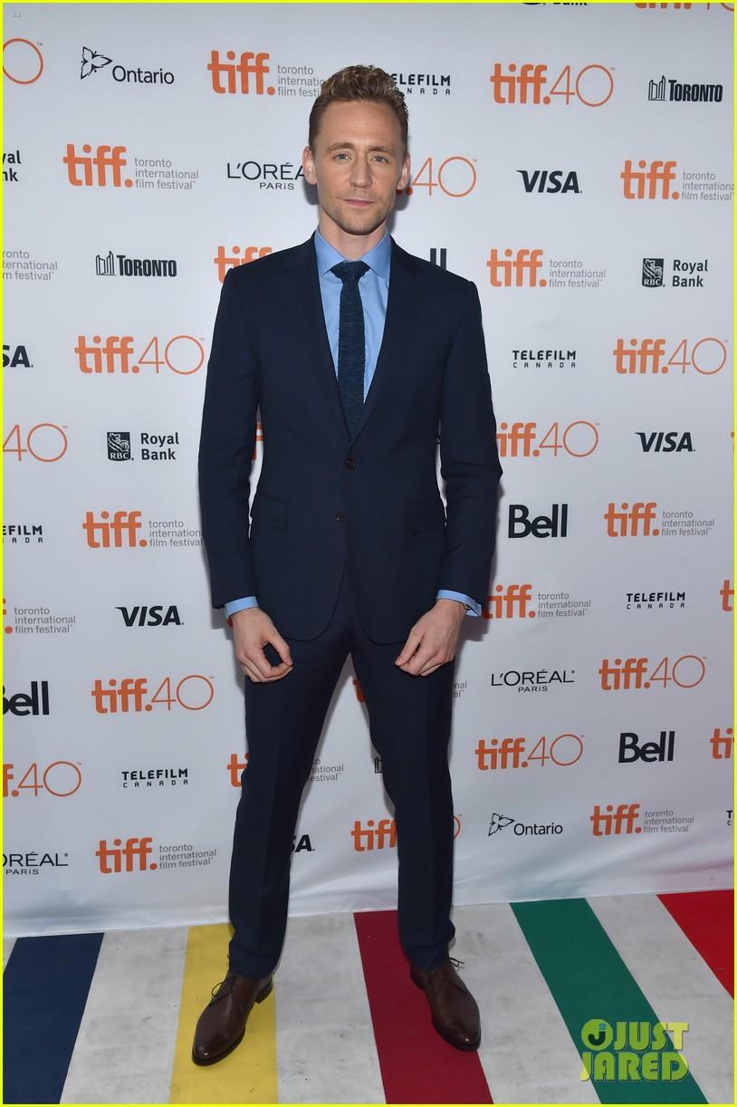 elizabeth olsen tom hiddleston saw the light tiff premiere 093458580