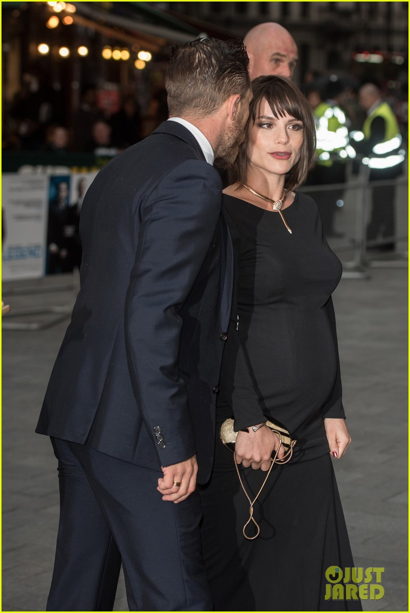 tom hardys wife charlotte riley pregnant 013451876