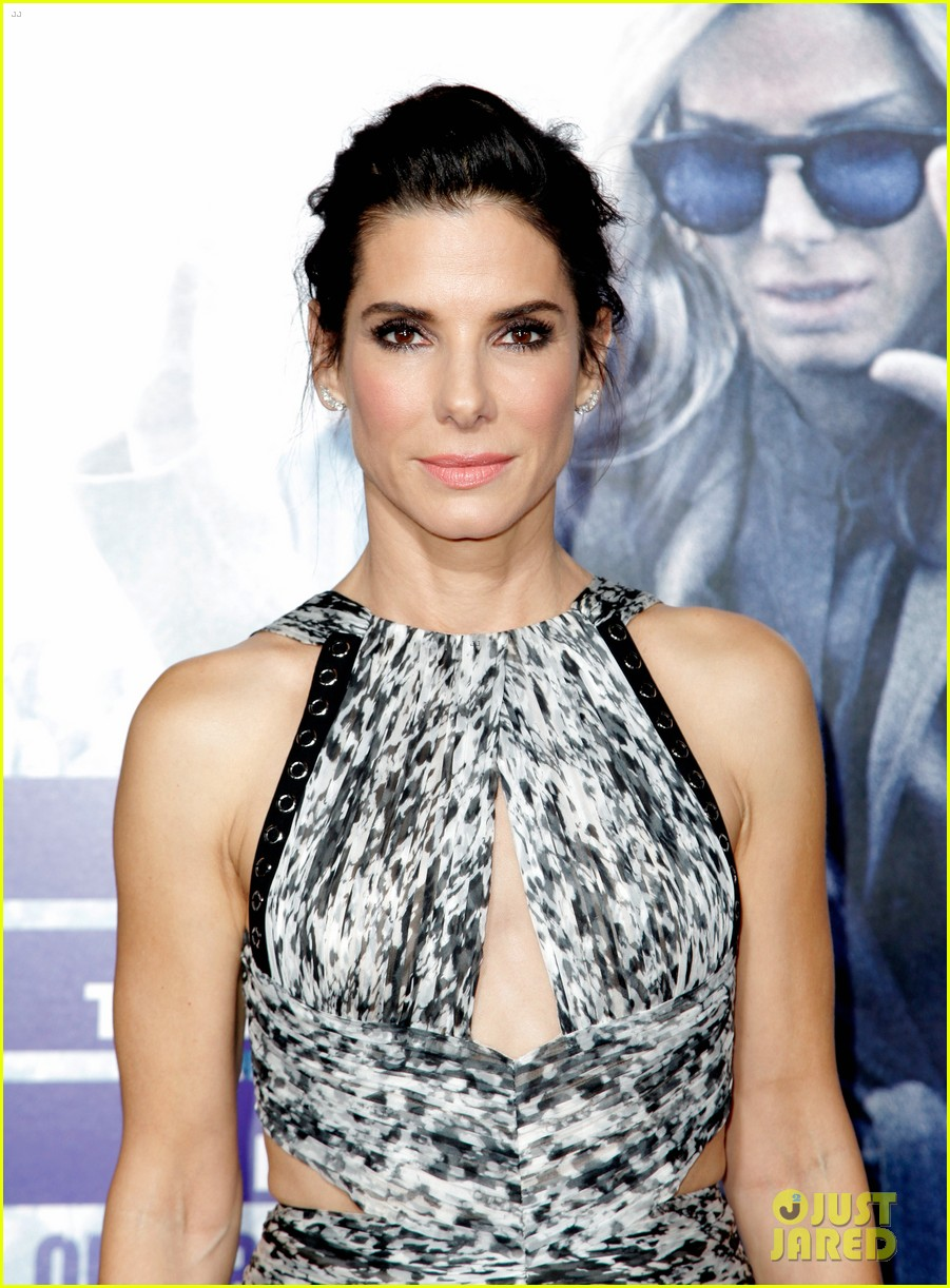 sandra bullock poses for prom style photos 113492081
