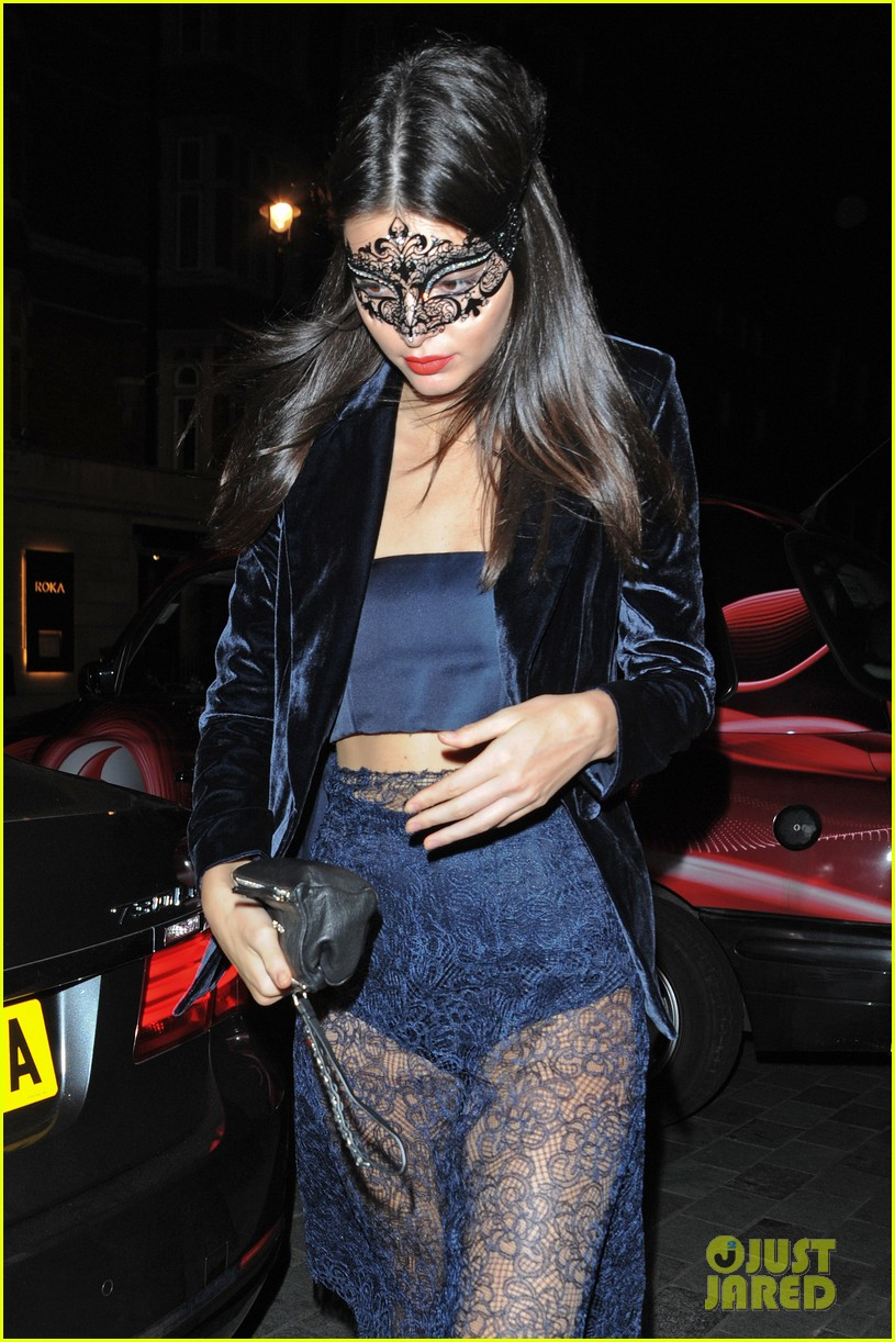 cara delevingne kendall jenner lace masquerade party poppy 123480997