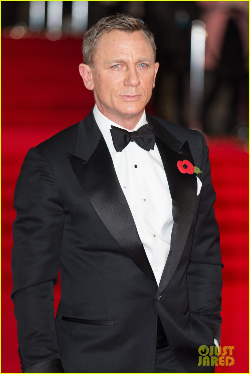 Daniel Craig Kisses Wife Rachel Weisz at 'Spectre' Premiere!: Photo ... Daniel Craig