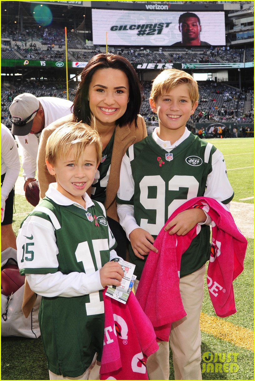 8ab9fc5c8b4 Demi Lovato Takes a Trip to 'Revis Island' at the Jets Game!: Photo ...