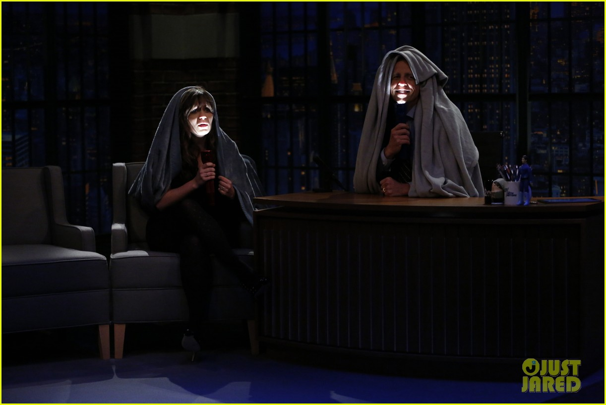 zooey deschanel tells adult scary stories on late night watch here 053484579