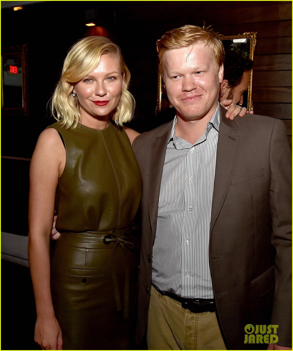 kirsten dunst celebrates with fargo cast ahead of season 2 premeire 043479384