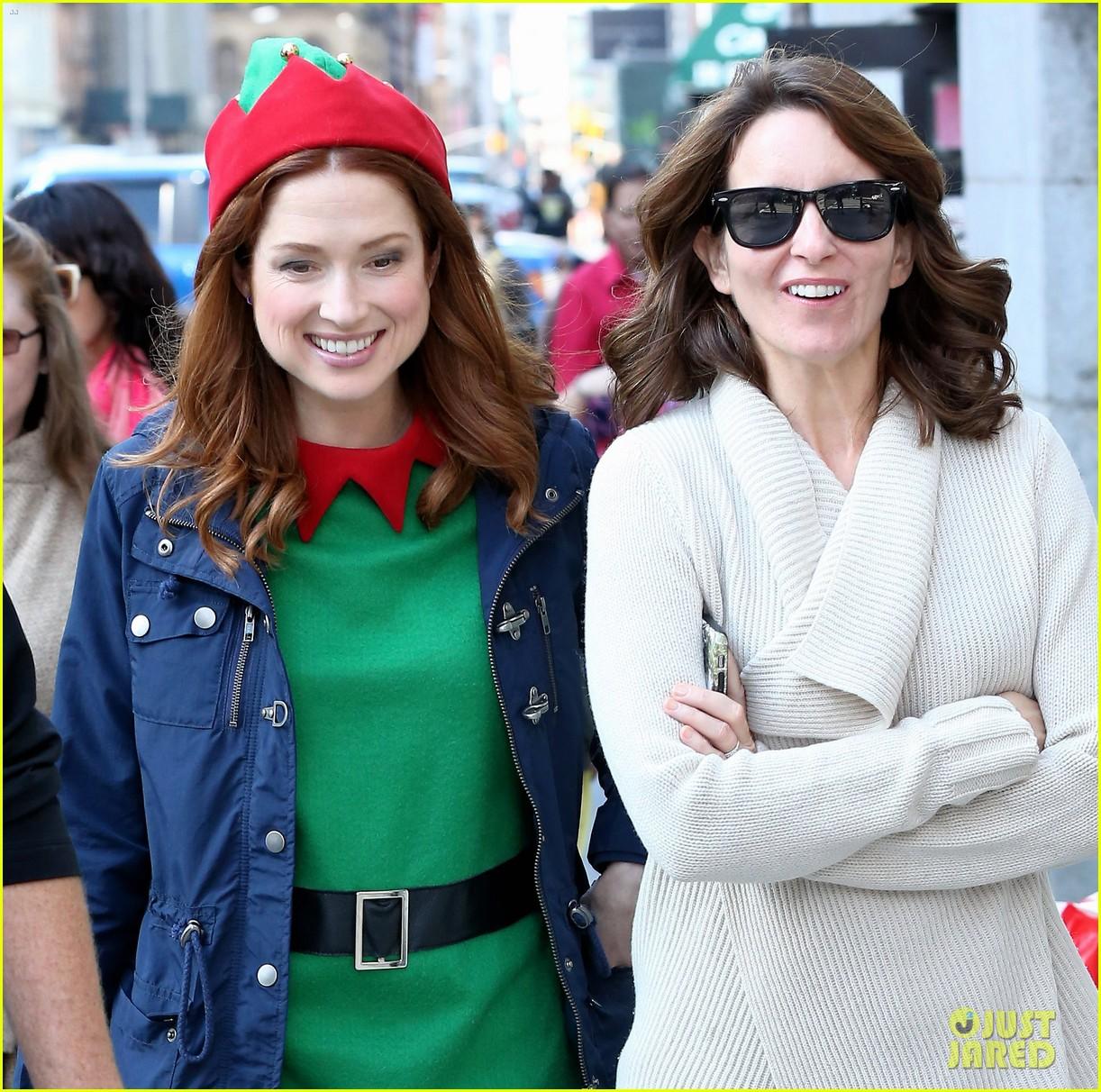 Ellie Kemper Dons Elf Costume For Unbreakable Kimmy Schmidt