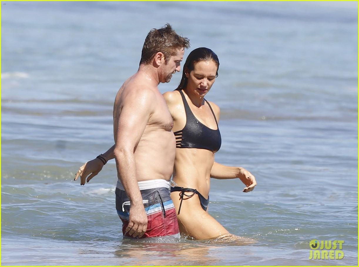 Gerard Butler Shirtless Pda Morgan Brown 07 Xchris Shows Rumored