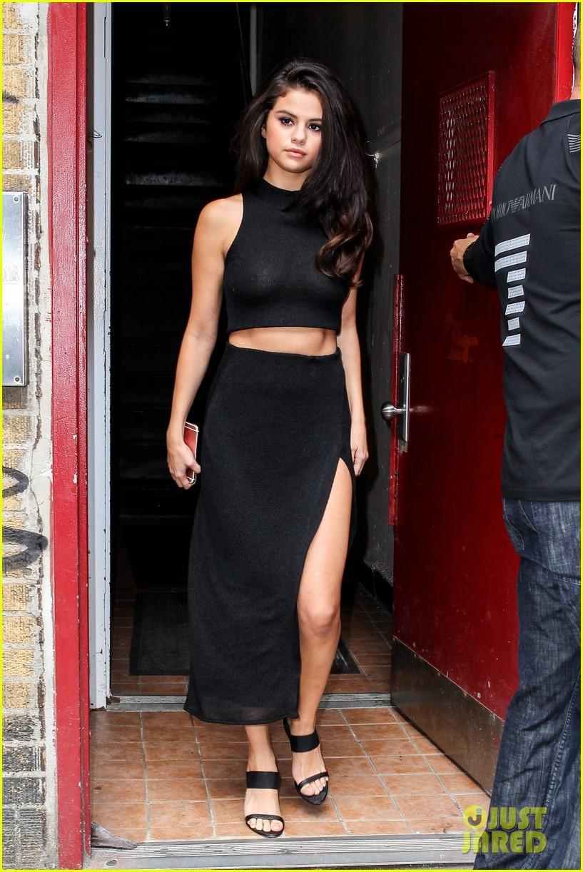 Selena gomez hot n sexy