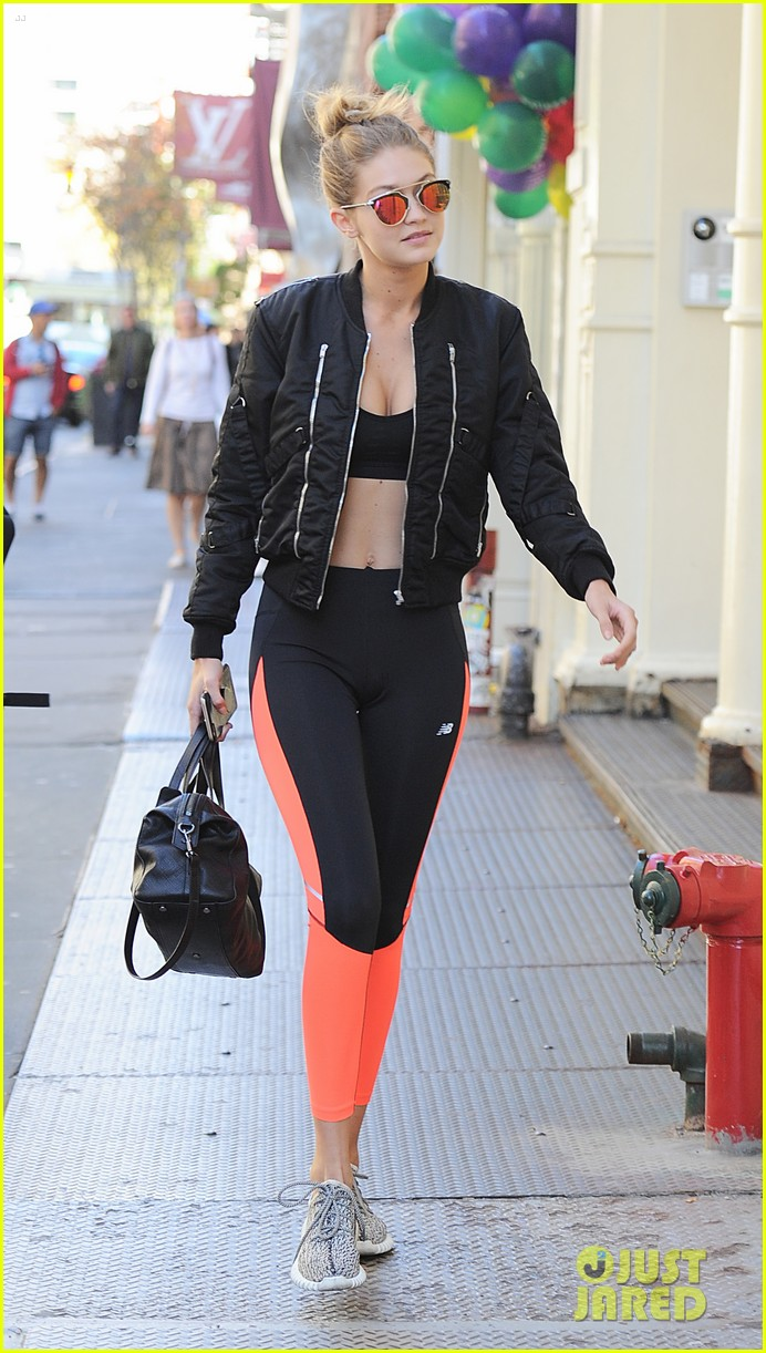 gigi hadid giraffe nyc workout after vic news 043495793