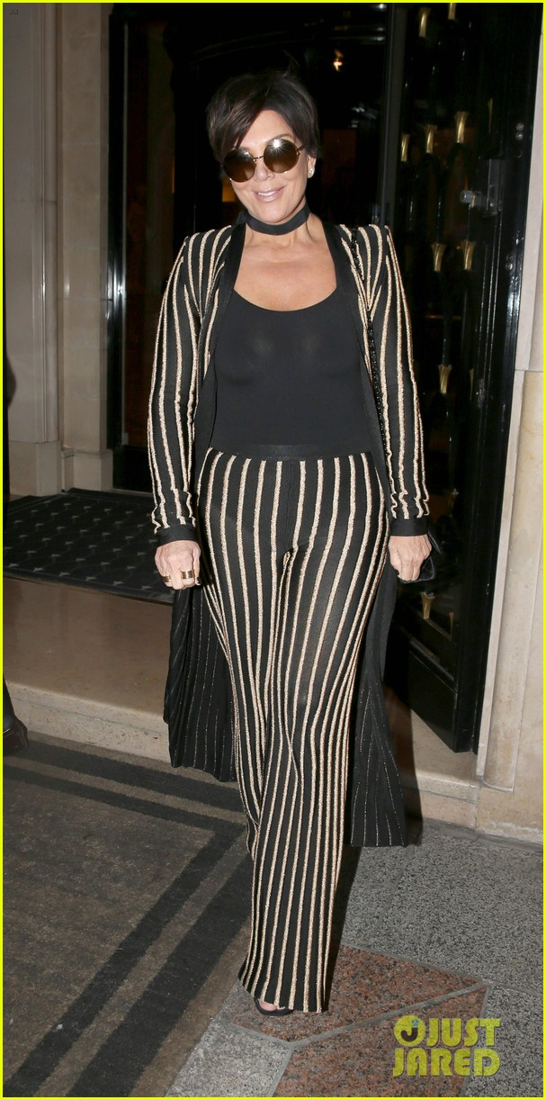 Good Kris Jenner Wears An Outfit Straight Out Of Kimu0027s Closet!