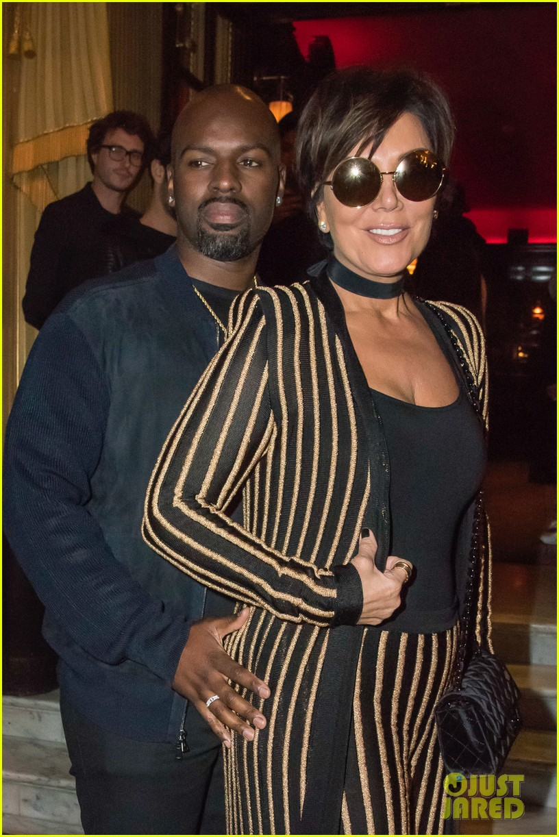 Kris Jenner Wears An Outfit Straight Out Of Kimu0027s Closet!