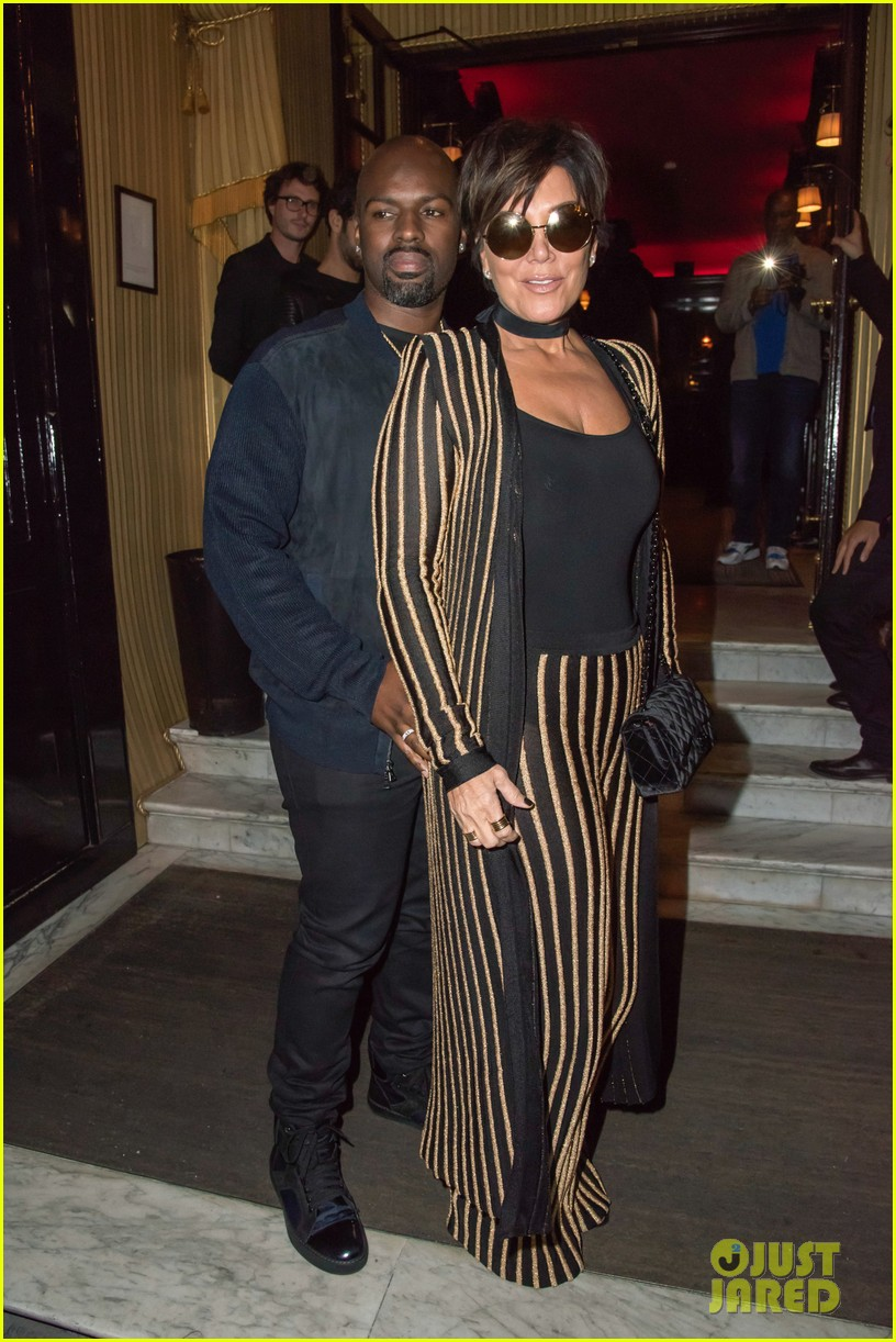Ordinaire Kris Jenner Wears An Outfit Straight Out Of Kimu0027s Closet!