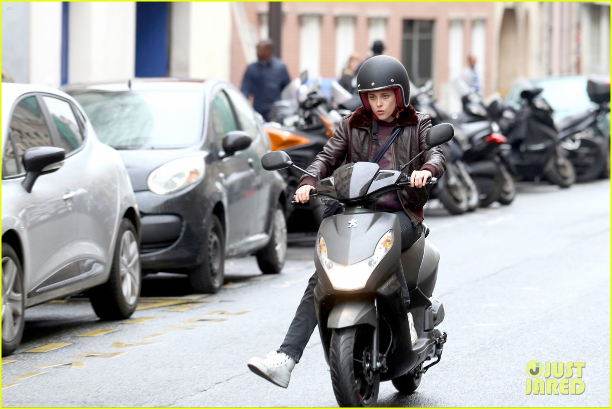 kristen stewart motorbike paris personal shopper movie 193493672