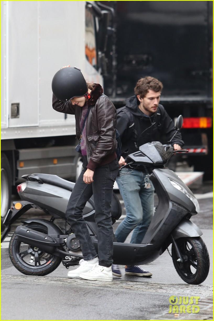 kristen stewart motorbike paris personal shopper movie 213493674