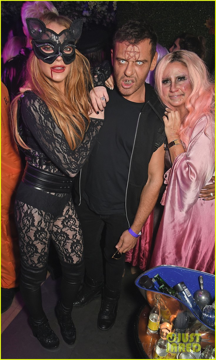 Lindsay Lohan Is Sexy Cat At Asylum Halloween Party!: Photo ...