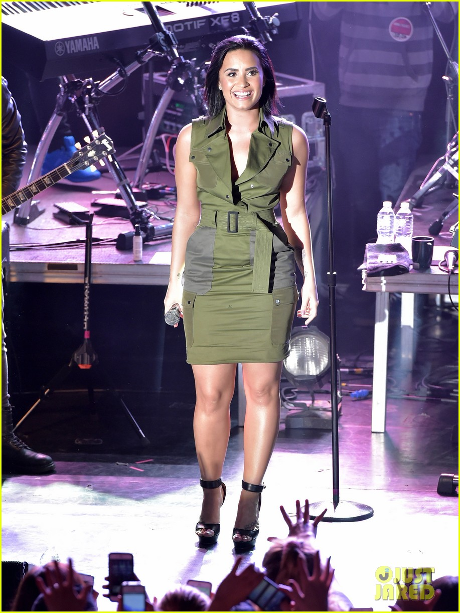 demi lovato nick jonas launch future now tour in nyc 053492414