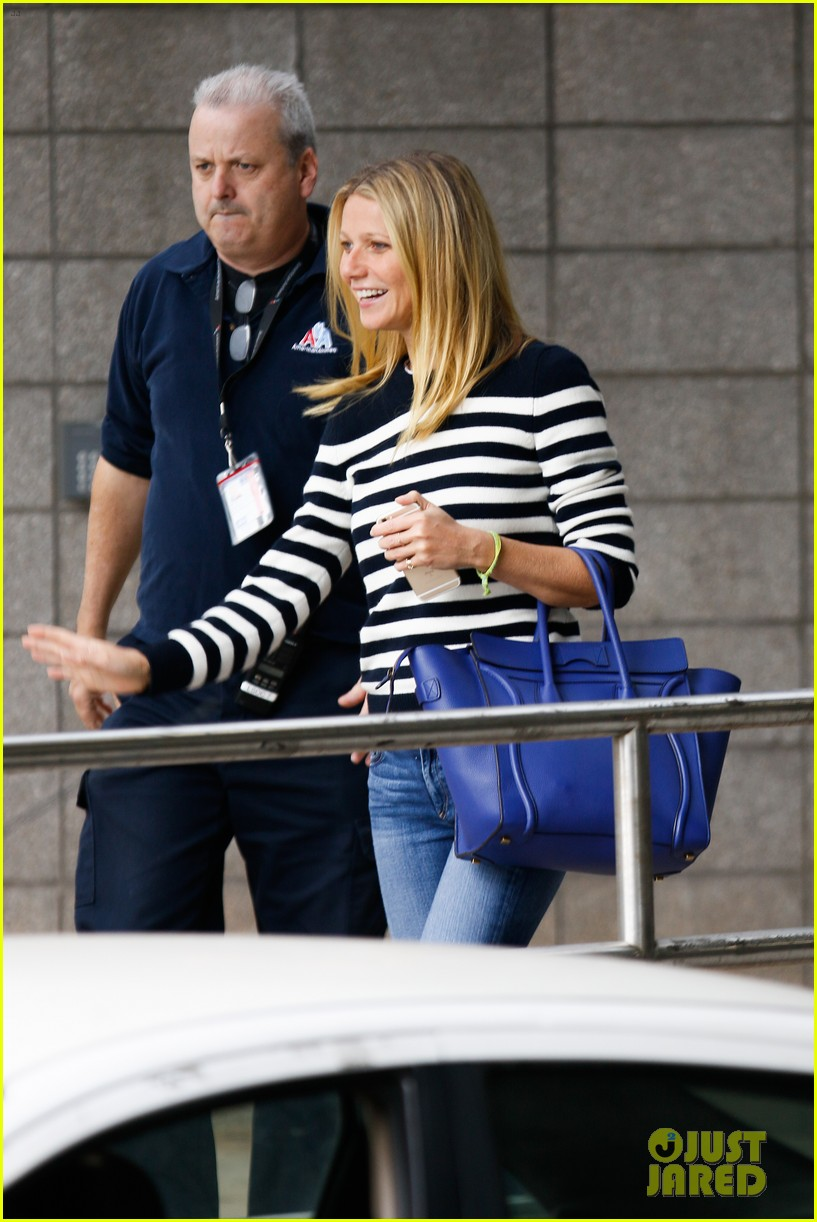 gwyneth paltrow gives daughter apple an instagram shout out 093493007