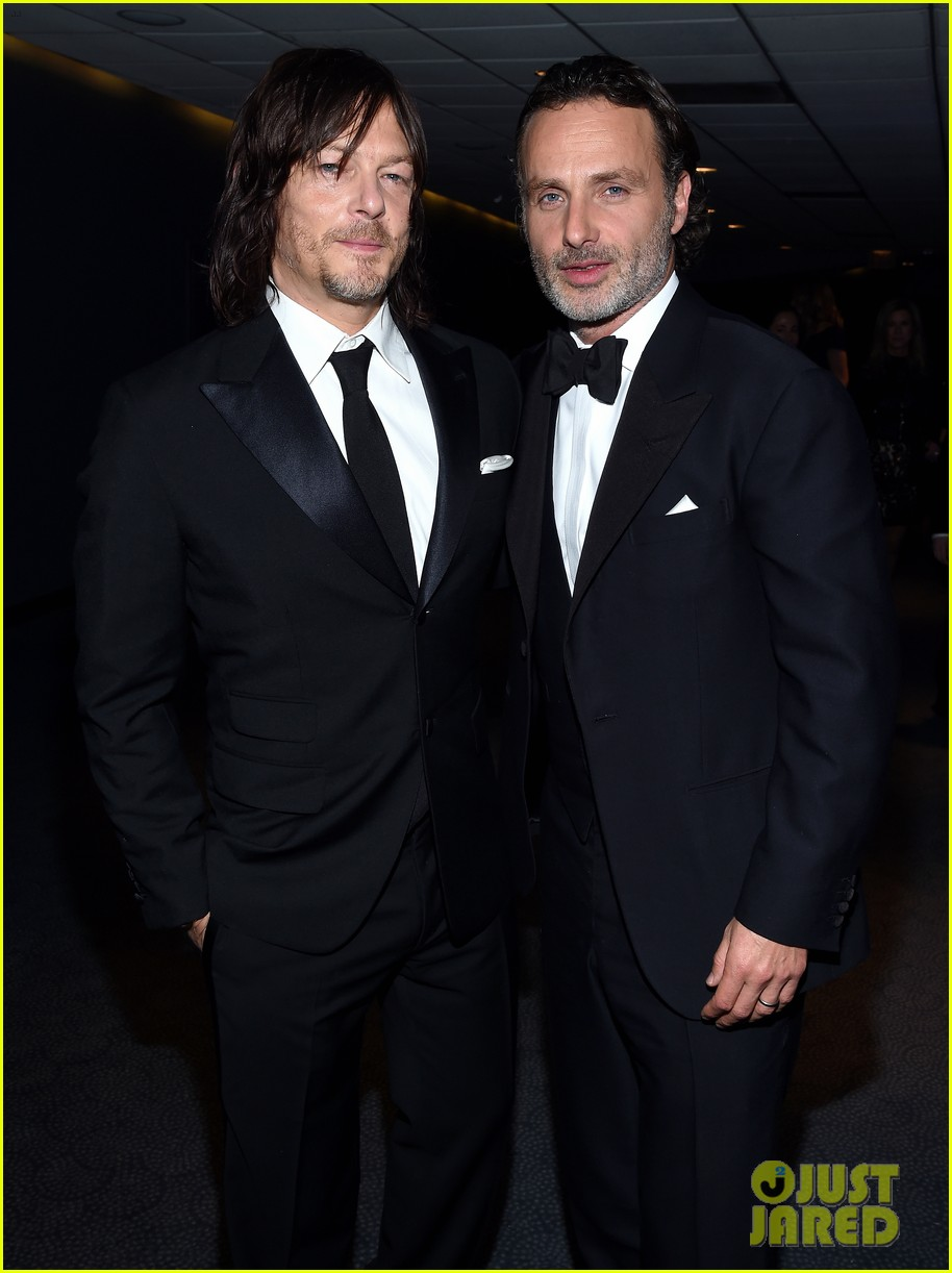 norman reedus makes epic entrance at walking dead premiere 023481113