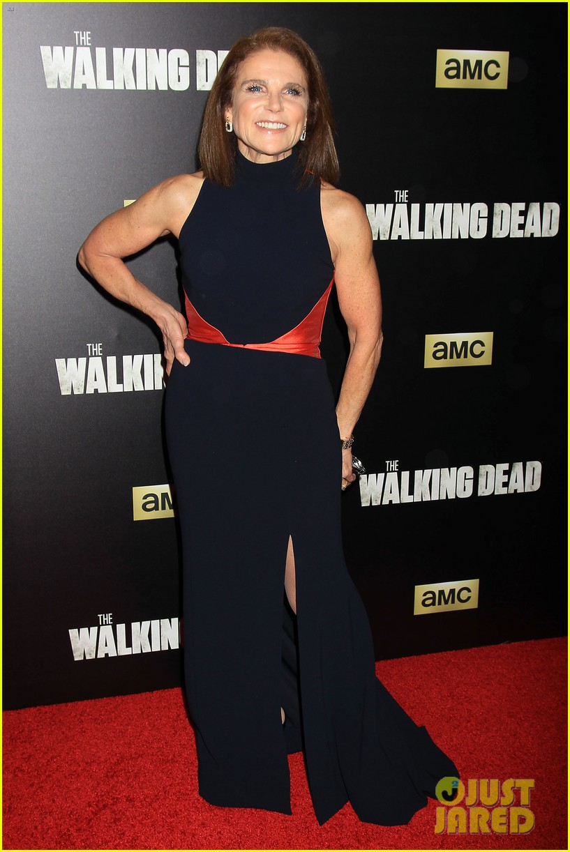 norman reedus makes epic entrance at walking dead premiere 113481122