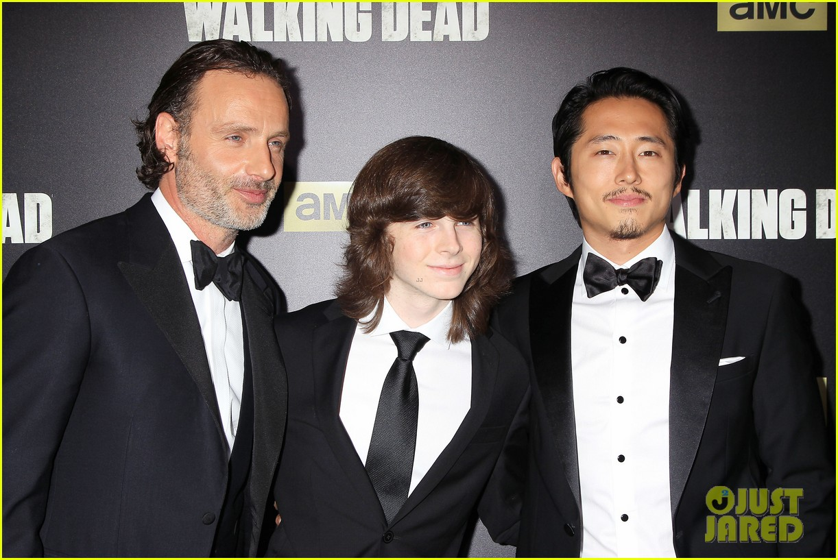 norman reedus makes epic entrance at walking dead premiere 223481133