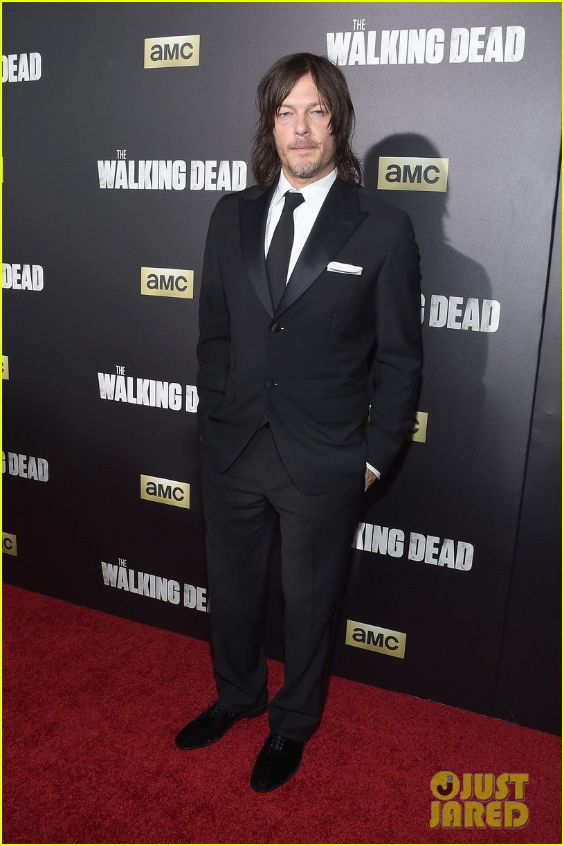 norman reedus makes epic entrance at walking dead premiere 443481155
