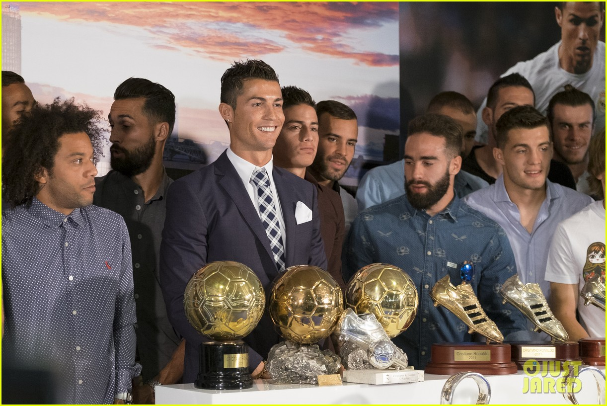 Cristiano Ronaldo Honored For Becoming Real Madrids All Time Leading Scorer