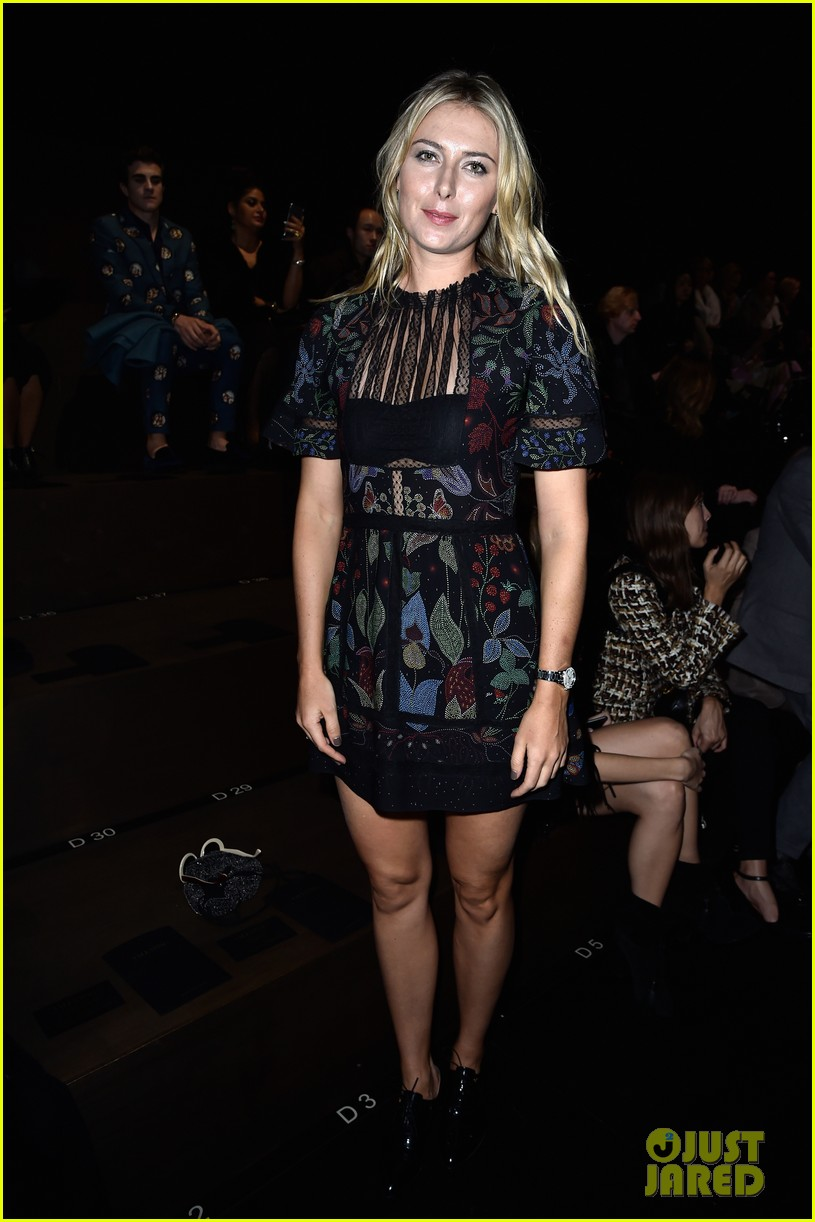 maria sharapova is fashion week queen in paris 063478087