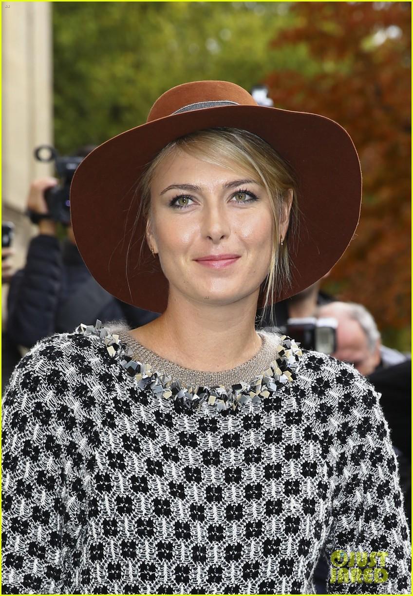 maria sharapova is fashion week queen in paris 113478092