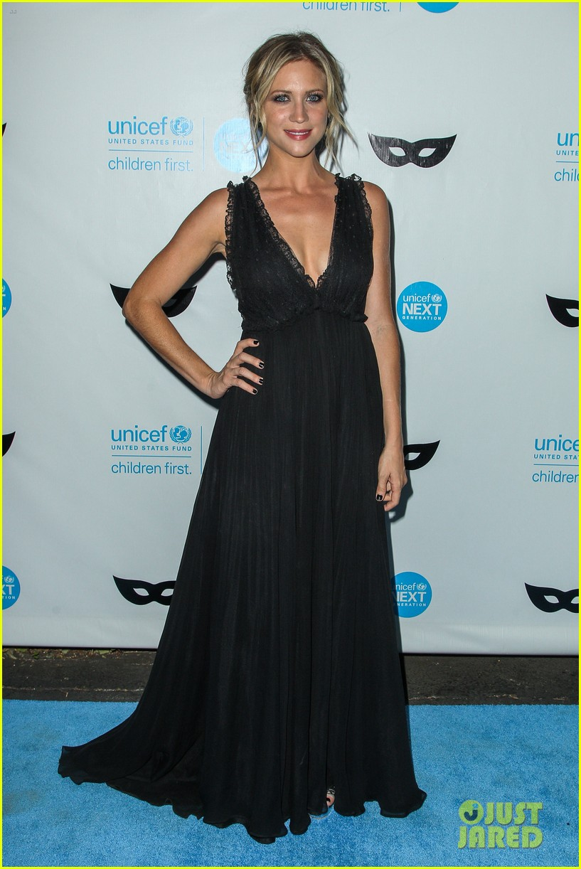 brittany snow annalynne mccord more unicef black white ball 343496672