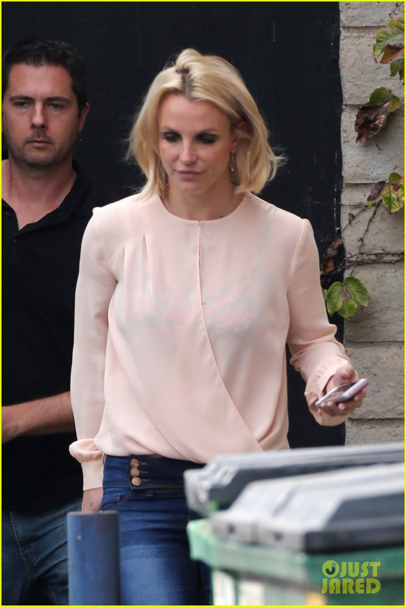 britney spears wants to trade concert tickets with adele 093492994