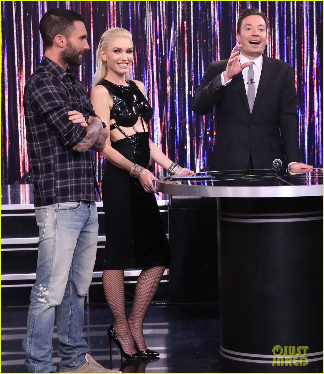 cad0dbd907a Gwen Stefani   Adam Levine Play Spin The Microphone On  Tonight Show  - Watch  Here!