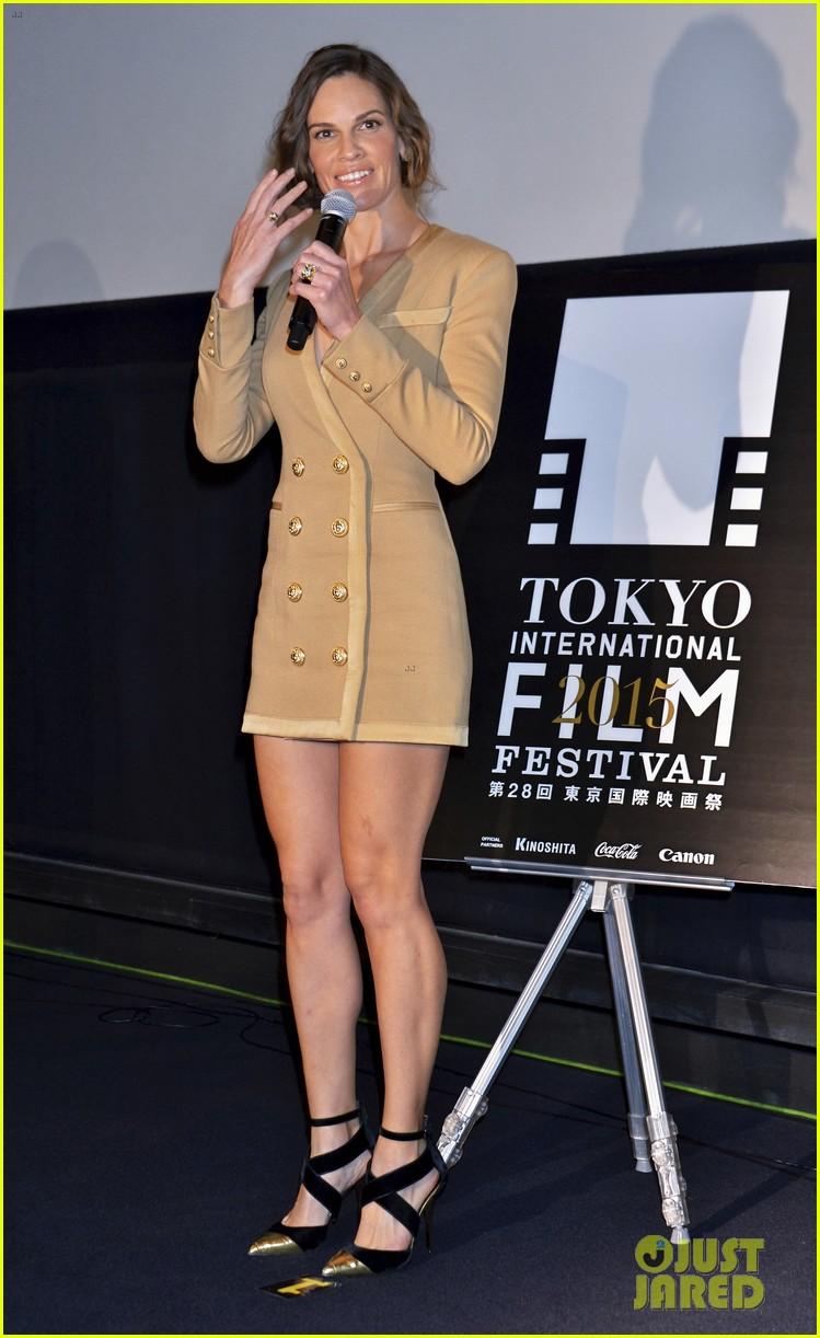 Hillary Swank Hilary Swank Enjoys Japan As She Promotes Youre Not You Photo