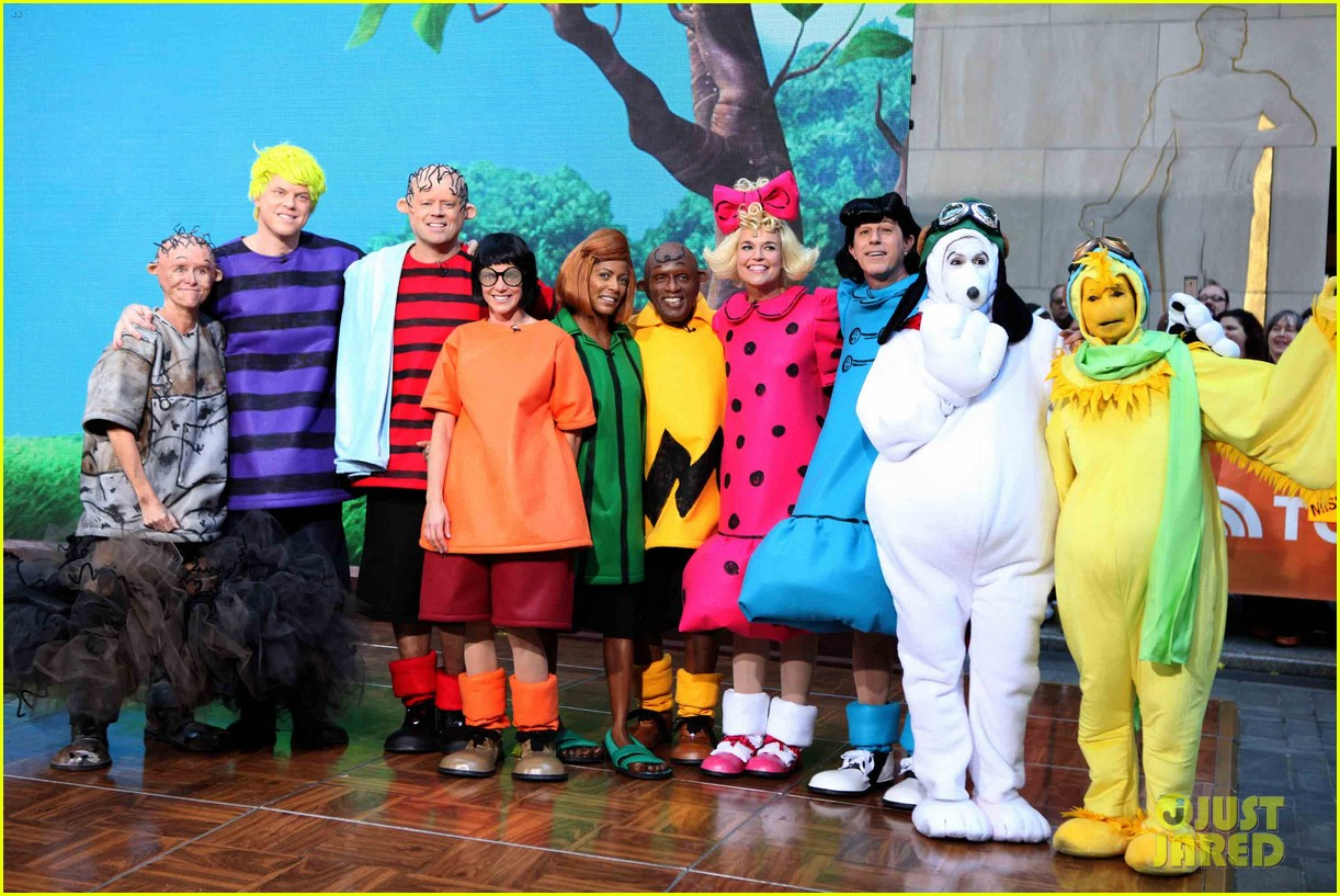 today show' hosts wear spot on peanuts halloween costumes: photo