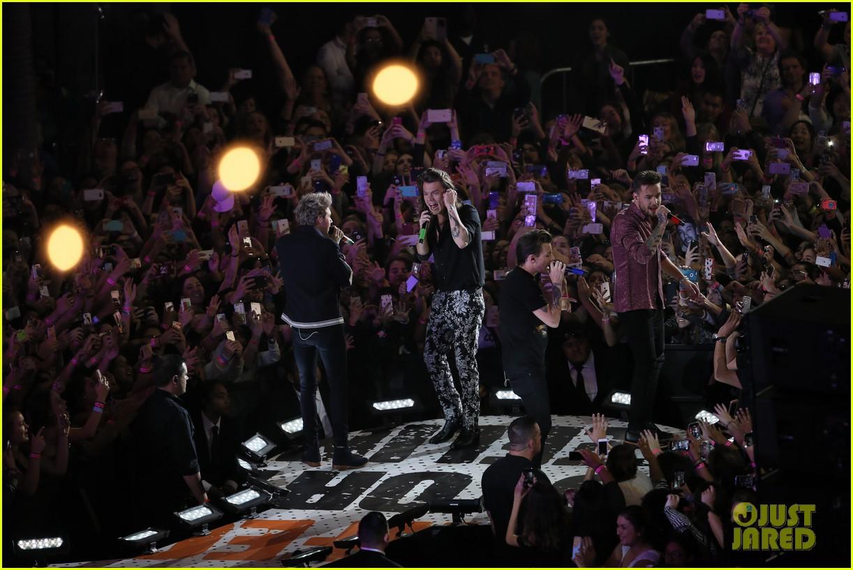 one direction shut down hollywood blvd kimmel performances interview 363512621