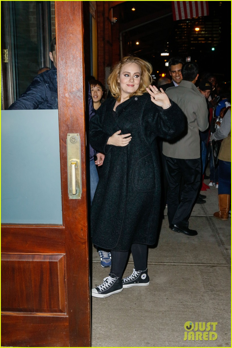 Adele&#39-s Song &#39-Hello&#39- Tops the Billboard Charts Once Again!: Photo ...