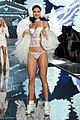 lily aldridge joan smalls victorias secret fashion show 2015 03