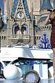 ariana grande seal jason derulo more disney christmas parade 03