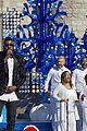 ariana grande seal jason derulo more disney christmas parade 26