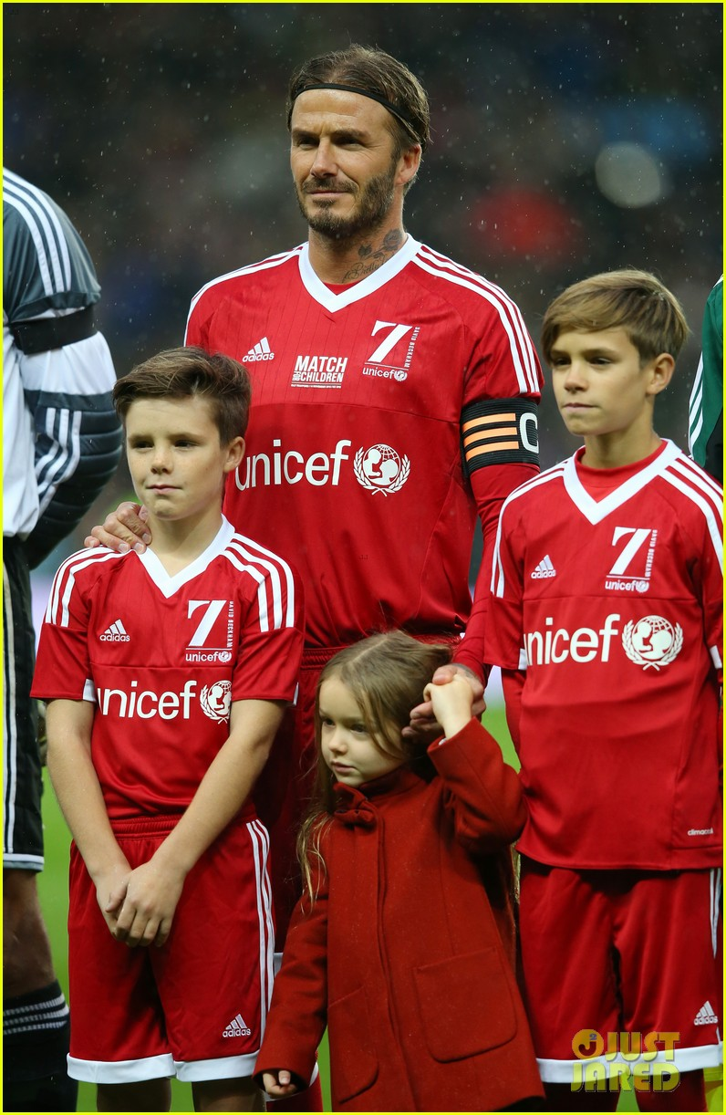 david beckham brings his 4 kids to charity soccer game 023508206